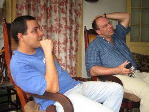 Der Musiker Ernesto plaudert mit Matthias Morgenrot über kubanische Musik.